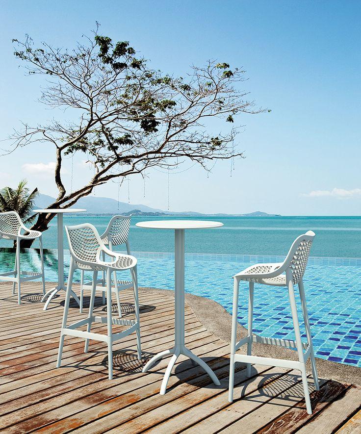 Krzesło Air Bar 75, Stół Octopus Bar #summer #hotel #hoteldesign #hagea