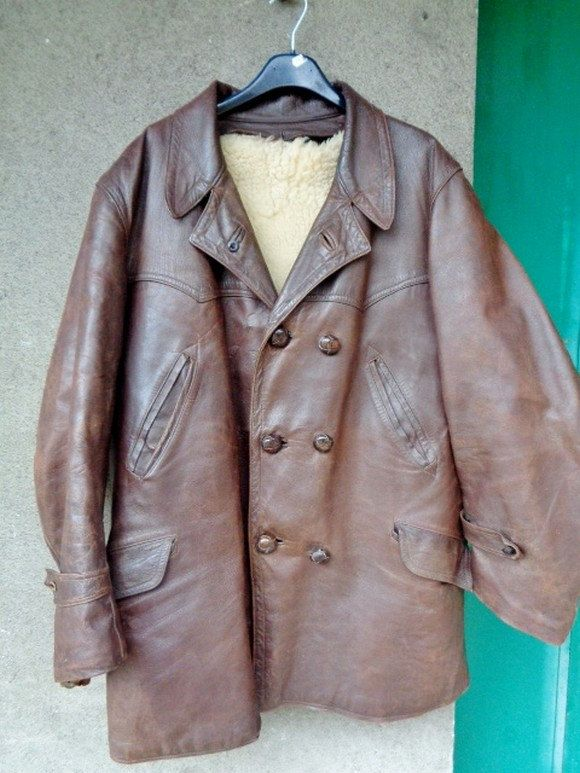 best 25 veste cuir homme ideas on pinterest homme veste en cuir vestes en cuir pour hommes. Black Bedroom Furniture Sets. Home Design Ideas