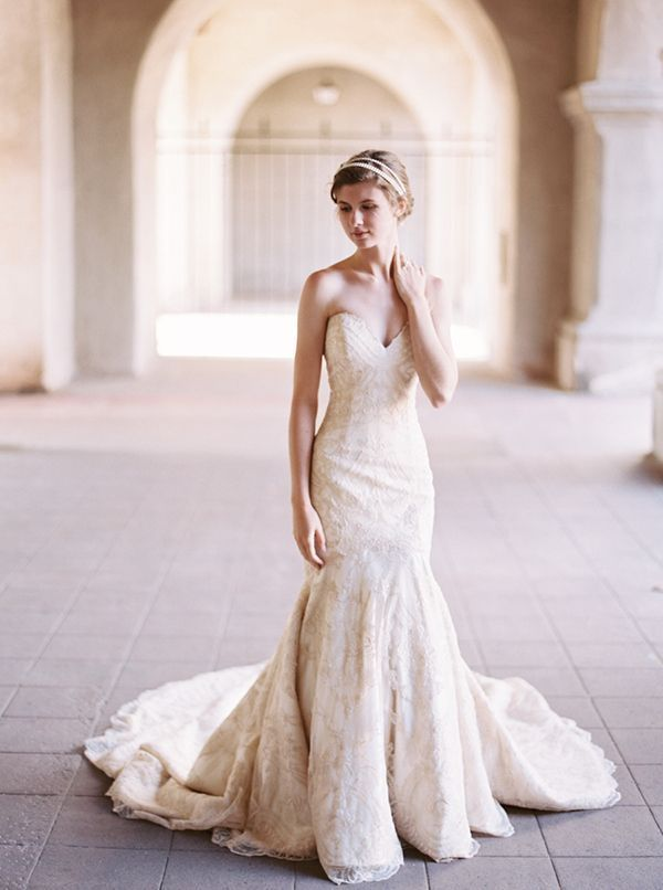Champagne Lace Matthew Christopher Wedding Dress | Katie Grant Photography | Keys to Finding the Perfect Wedding Dress