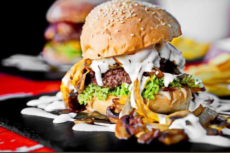 Dulf 39 s burger hamburg germany freshly made individual for Ottos burger hamburg
