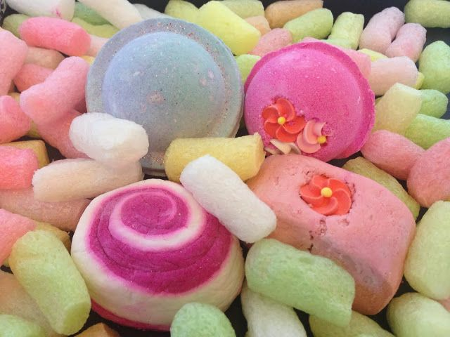 Did y'all know that the storage beads in LUSH packages are edible?! Although, I have never tried eating one!