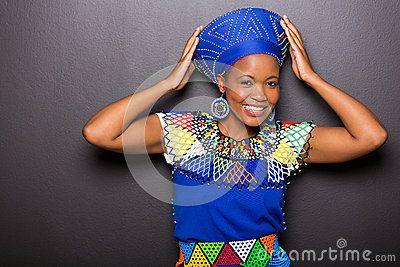 Afrikaanse model traditionele kledij