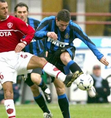 Kily quiere volver  Cristian González no es titular en Inter y por eso busca una oportunidad en Boca