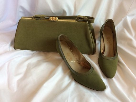 Vintage mid-century velour sage green purse with handle and gold clasp, with matching size 7.5 pumps.
