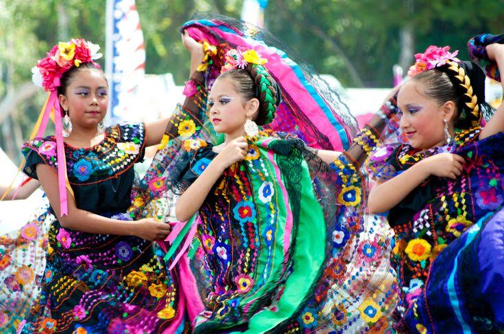 #Bailarines mexicanos deslumbran a espectadores californianos #BailesTipicos #RitmosdeMexico http://www.bestday.com.mx/Paquetes/