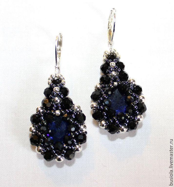 Купить Хрустальные серьги, риволи в обрамлении кристаллов и бисера - синий, черный, гематит, японский бисер