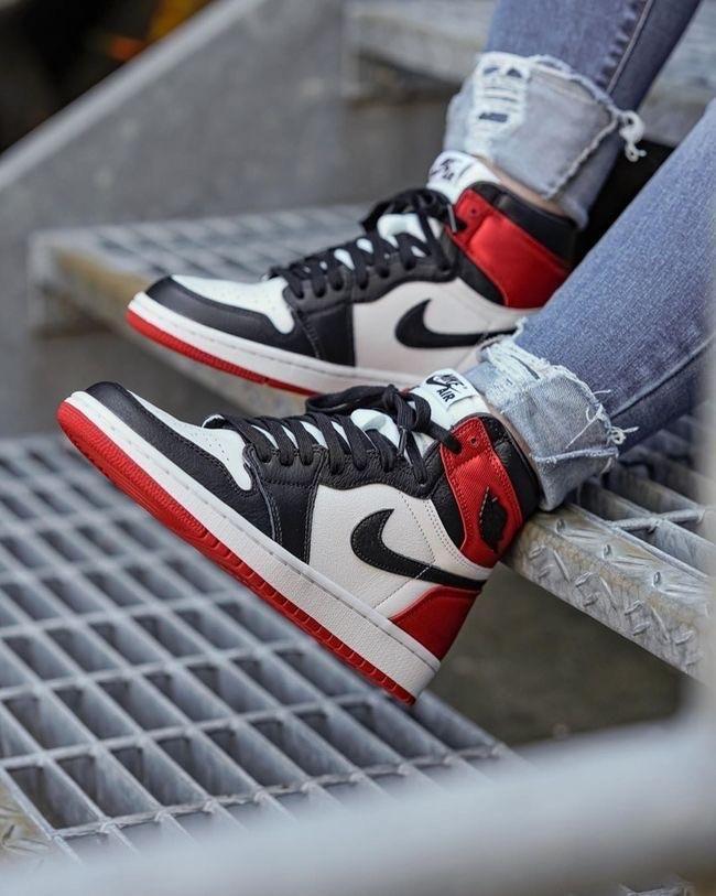 Jordan 1's 'red satin' jordan 1's 'red