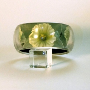 NARCISSUS DAFFODIL FLOWER PICTURE BANGLE  When I plant daffodils, I feel the hope and happiness that each spring promises.  $65