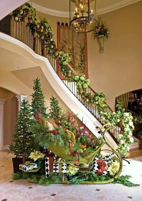 Christmas staircase and entry 320 best Christmas