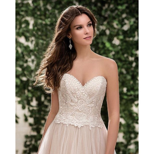 This Jasmine Bridal number has me almost wishing I could get married again...to the same guy of course. But seriously. I have some major #dressenvy. #weddingdress #weddinggown #bridetobe #engaged #bridal #instawedding #ido #bridalgown #beautiful #bridaldr