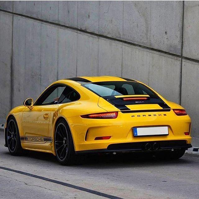 Nice Porsche 911 R.
