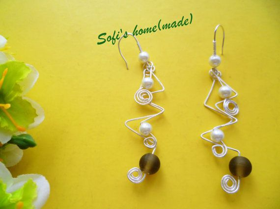 Handmade silver plated wire earrings with glass pearl and acrylic bead plus free gift.