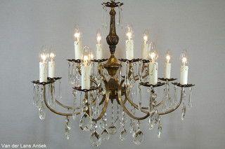 Franse kroonluchter 26153 bij Van der Lans Antiek. Meer antieke lampen op www.lansantiek.com