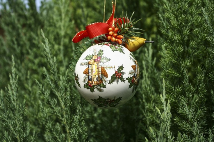Christmas ball - ceramic with xmas decoration. What a ball!!!