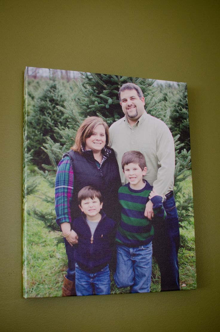 Walmart Photo is helping Stephanie display her favorite photos.  Photos of family, friends and favorite places add a touch of personality. | Client