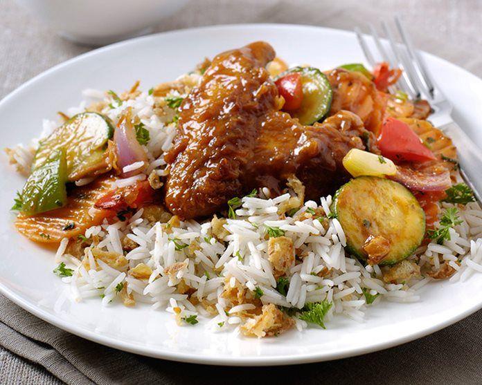 Ajam Bali met rijst en groentes recept