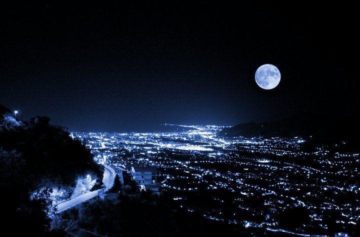 Palermo by night vista da Monreale