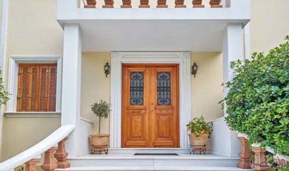 أفكار جديدة وم بتكرة لتزيين مدخل المنزل بطريقة أنيقة Double Doors Exterior Doors Exterior Doors