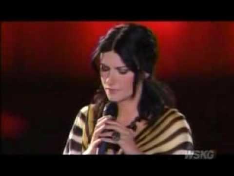 """Andrea Bocelli & Laura Pausini """"Vivere"""" - Dare to live."""