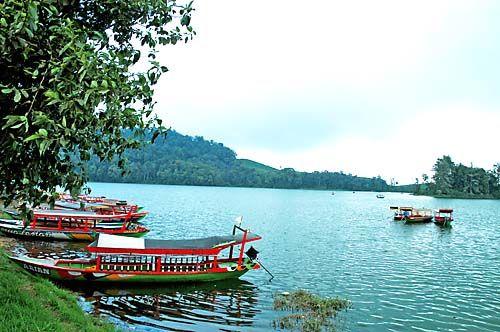 situ patenggang lake... short drive city's getaway...