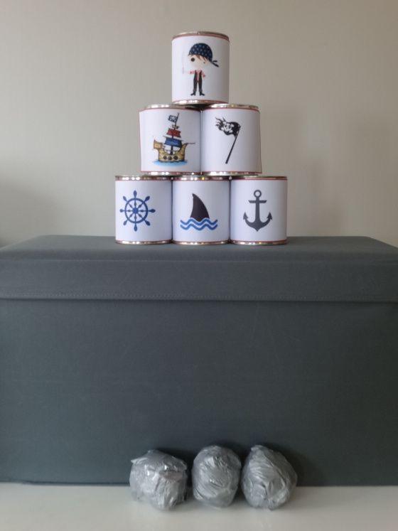 Anniversaire de pirates: chamboule tout + boulet de canon