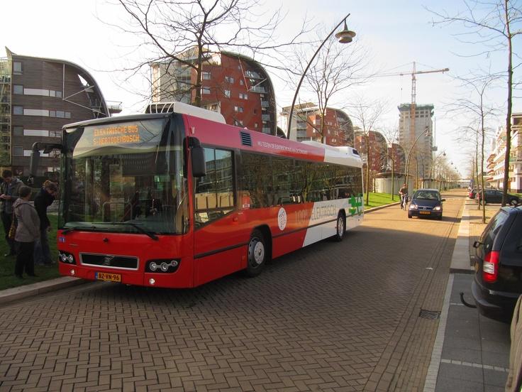 De eerste volledig electrische full-size stadsbus van Nederland in Den Bosch