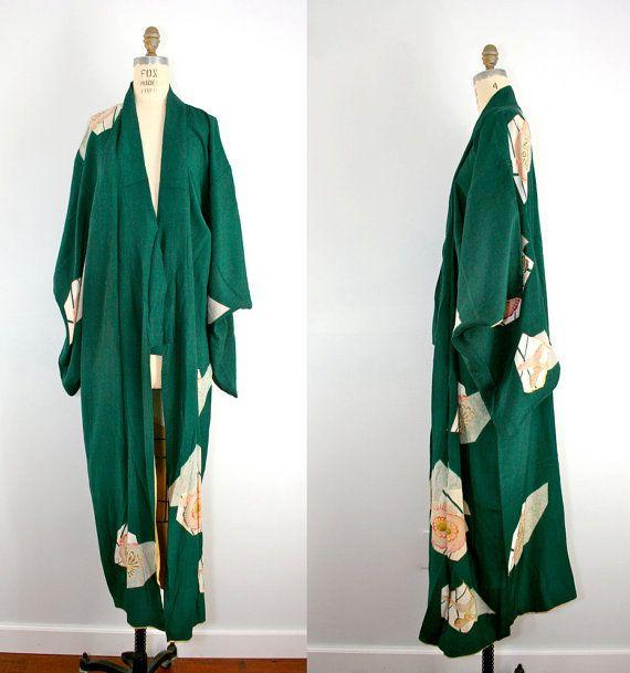 R E S E R V E D . vintage . silk . kimono . PINE ROSE . green . 1950s . robe #Imaluxurylady