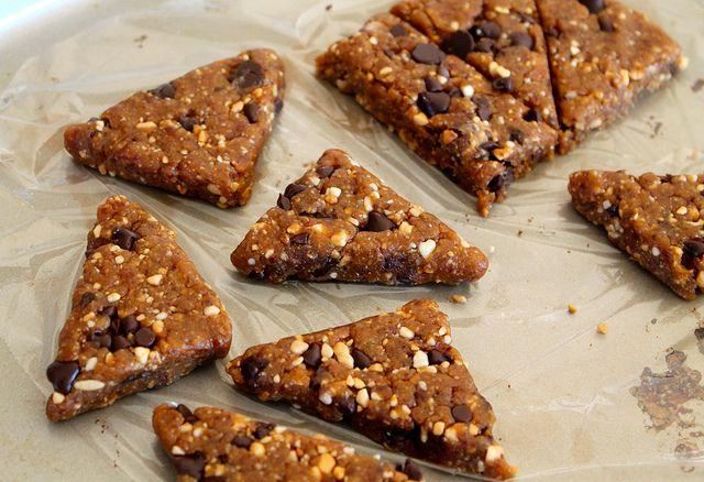 Homemade peanut butter chocolate chip larabars