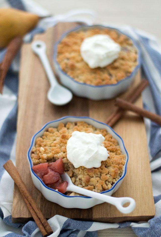Het recept voor een toetje of dessert met stoofperen. Deze stoofperen crumble ook wel stoofperen kruimel toetje is echt een aanrader, zo lekker!
