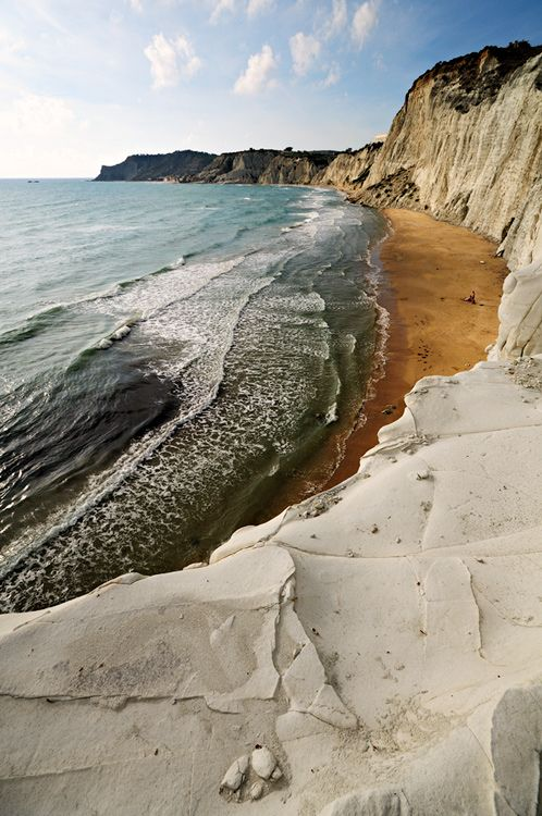Scala dei Turchi (a rocky cliff with an unusual white color formed by clay and limestone), Sicily, Italy.