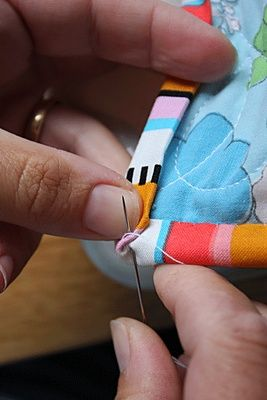 great pics: Sewing 101 - tutorials on basic techniques like piping, bias, ruffles, zippers, etc.