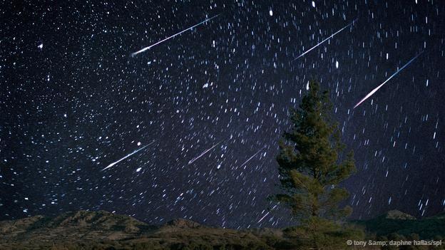 Cristal de carbón extraterrestre: Cuando los meteoros caen, las rocas pueden transformarse.   El diamante es el material natural más duro conocido sobre la Tierra. Sin embargo, dos nuevos tipos de cristales de carbón ultrarresistentes encontrados en el meteorito Haverö lo superan en dureza. Fueron descubiertos en 2010 por unos investigadores que utilizaban una pasta de diamante para pulir un pedazo del meteorito