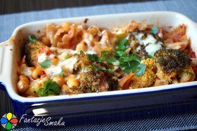 Zapiekanka makaronowa z brokułami i cieciorką w sosie pomidorowym http://fantazjesmaku.weebly.com/zapiekanka-makaronowa-z-broku322ami-i-cieciork261-w-sosie-pomidorowym.html