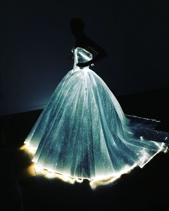 The theme of this year's Met Ball, fittingly sponsored by Apple, was Manus x Machina: Fashion in an Age of Technology, and Claire Danes' dress took the cake. Designed by Zac Posen, he sourced the fiber optic woven organza in this dress from France, and there are 30 mini battery packs sewn into the gown's understructure, according to FastCo.