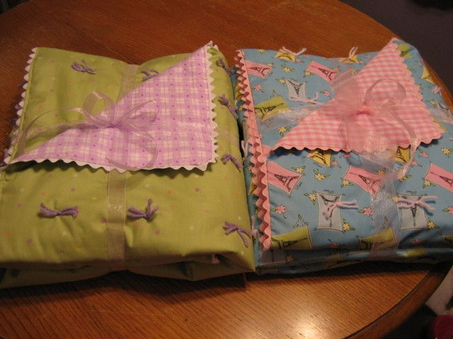 Simple beginner baby quilt - I even made a few of these by hand before I got a sewing machine. Cute and fun!