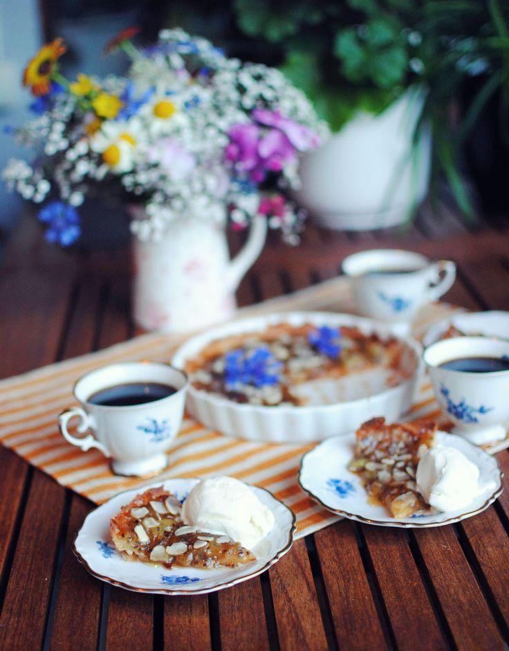 Den her opskrift på tærte med stikkelsbær er perfekt på sommeren. Den går hurtigt at lave og smager skønt.