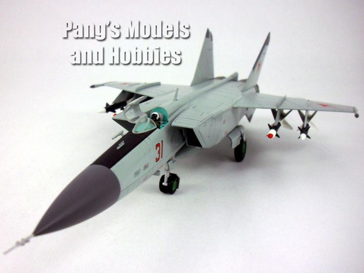 "Mikoyan-Gurevich MiG-25 Foxbat ""Red 31"" 1/72 Scale Diecast Model by Hobby Master"