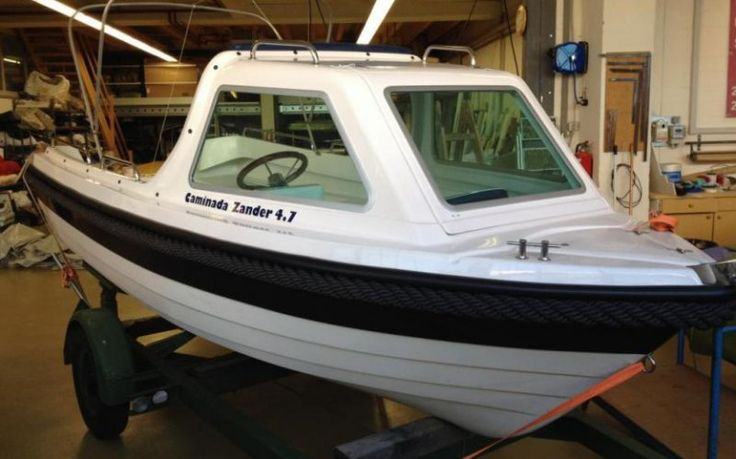 Caminada Zander 4.7 CAMINADA ZANDER 4.7  Ein sicheres und sehr stabiles Angel- und Familienboot für bis zu 5 Personen. Halb Kajütenboot mit Frontscheibe zum öffnen damit man bequem von ... Preis: CHF 14.700,-Bodenseezulassung:Ja Jahrgang:2014Breite:1.82 m Angebot:Neuboote, VorführbooteLänge:4.70 m Typ:Fischerboot