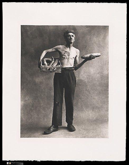 Irving Penn, Marchand de Concombres, Paris 1950. Platinum-palladium print