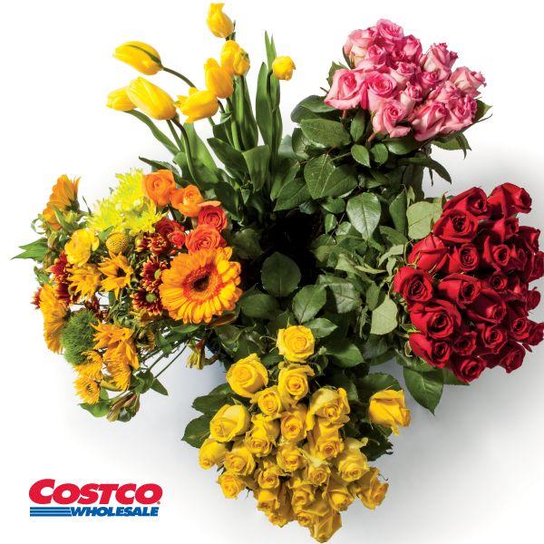 ¡En Costco tenemos una gran variedad de bouquets de flores para regalar en esta ocasión especial!