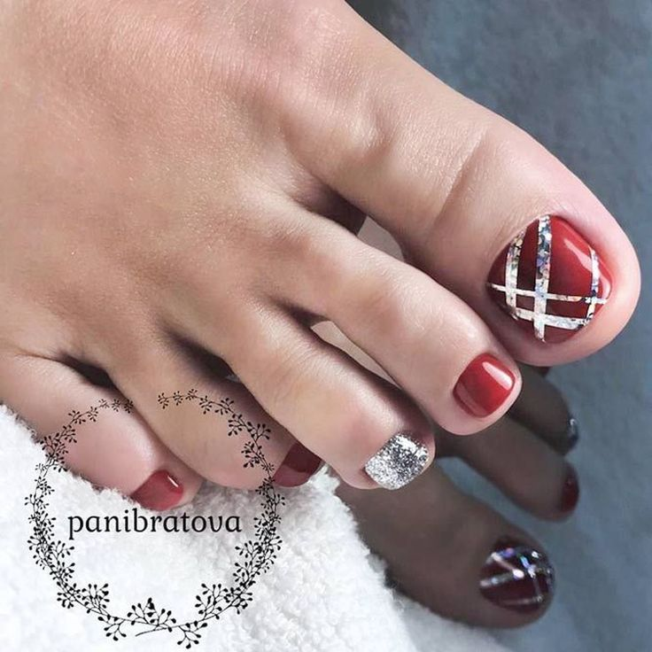 awesome 31 Totally Cool Valentines Day Toe Nails Designs Ideas http://lovellywedding.com/2018/01/13/31-totally-cool-valentines-day-toe-nails-designs-ideas/ #PedicureIdeas