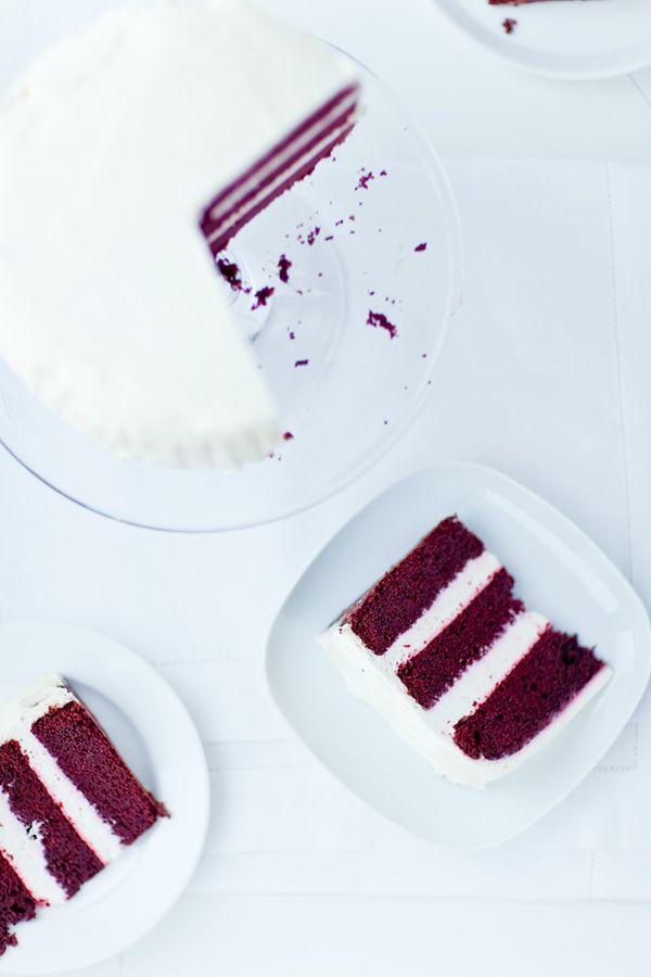 Tort amerykański, ciasto czekoladowe amerykańskie z barwnikiem spożywczym
