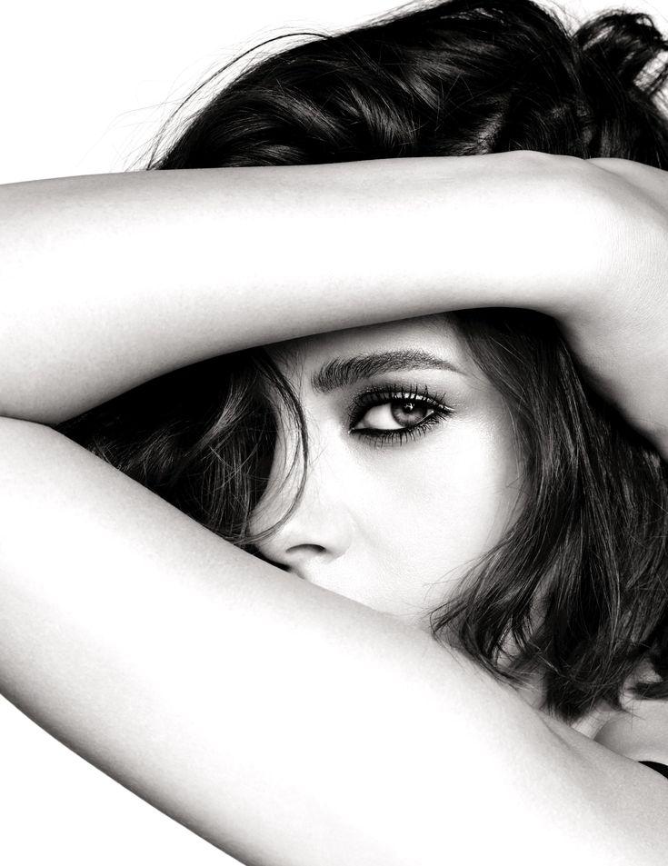 Chanel fait les yeux doux à Kristen Stewart pour sa ligne maquillage