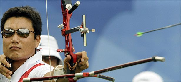 Como o vento e as descargas elétricas influenciam nas competições de tiro com arco...