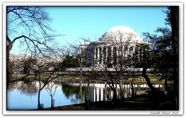 Jefferson Memorial Photograph  - Jefferson Memorial Fine Art Print  FEATURED in Wisconsin Flowers and Scenery group  En vedette