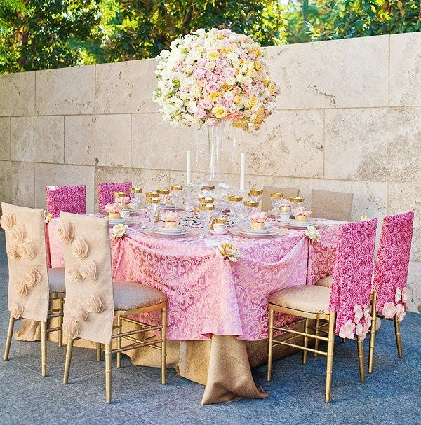 gold-and-pink-gorgeous-and-regal-tablescape.jpg 600×607 pixels
