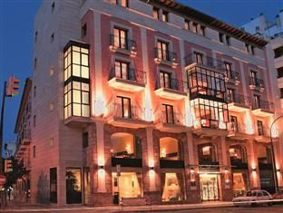 Majorca Hotel Continental Spain, Europe Set in a prime location of Majorca, Hotel Continental puts everything the city has to offer just outside your doorstep. The hotel offers a wide range of amenities and perks to ensure you have a great time. To be found at the hotel are free Wi-Fi in all rooms, facilities for disabled guests, Wi-Fi in public areas, car park, room service. Guestrooms are designed to provide an optimal level of comfort with welcoming decor and some offering ...