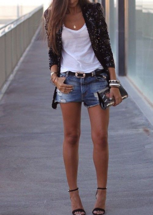 Denim Shorts Outfits for this summer, enjoy the lovely images by scrolling down. Source:pinterest