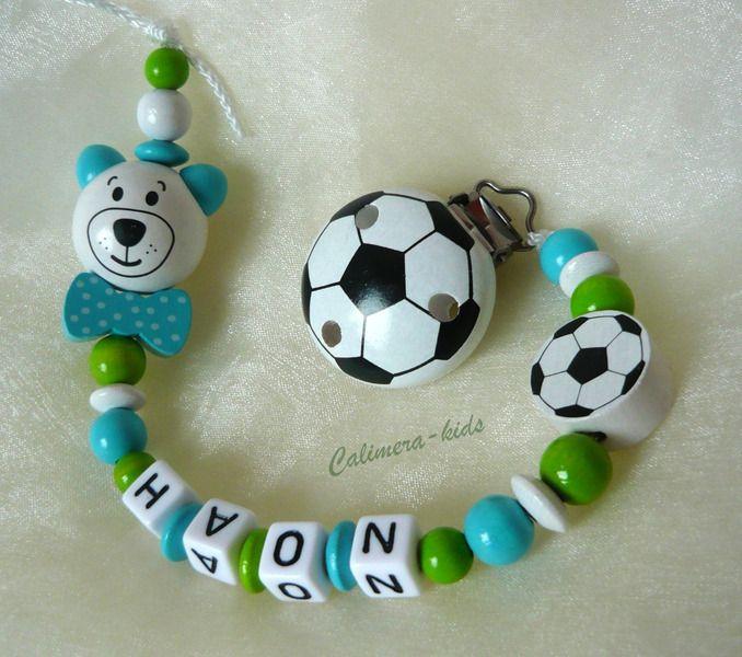 Schnullerkette+mit+Namen+-+Fußball++3D-Bärchen+von+Calimera-Kids+-+Schnullerketten+auf+DaWanda.com