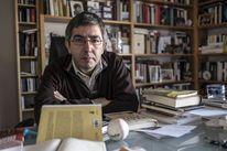 """""""El Procés ha de fugir del relat i tornar a la realitat"""" -   Després d'una hora llarga d'entrevista, Jordi Amat (Barcelona, 1978) ens mostra primeres edicions de 'L'home que es va perdre', de Francesc Trabal, i de 'Vida de Manolo', de Josep Pla, dos dels llibres de la dècada dels 20 del segle passat que el seu avi, el periodista Manuel Amat (1909-1985), ... - https://soc-catala.com/el-proces-ha-de-fugir-del-relat-i-tornar-a-la-realitat/"""